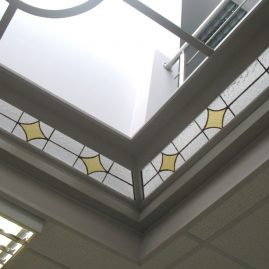 renowacja witraży świetlik sufitowy
