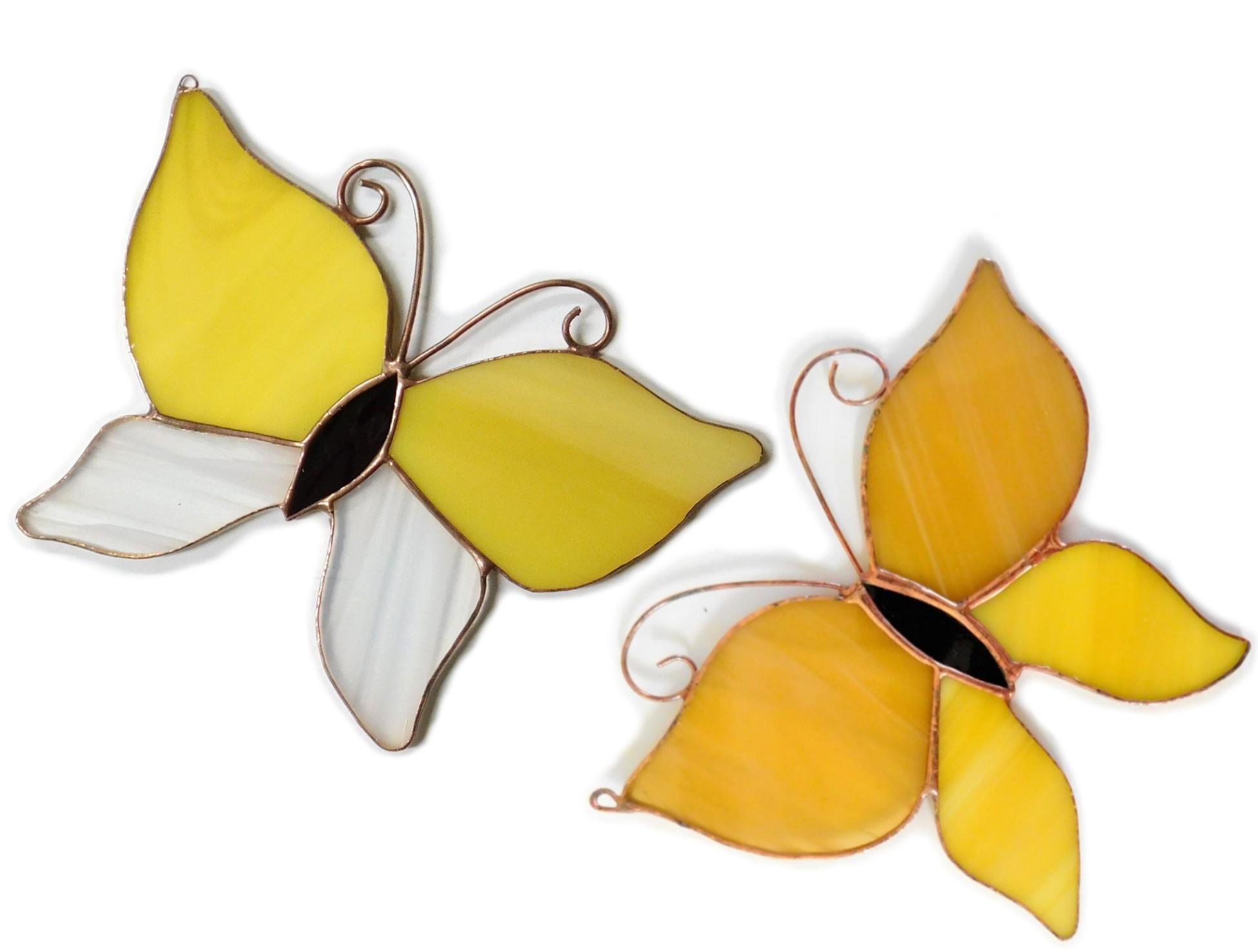 Motylek żółty, zawieszka witrażowa. BasoLe
