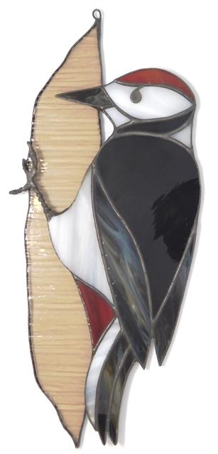 Dzięcioł, zawieszka witrażowa ze szkła artystycznego, BasoLe